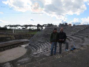 Con Roberto nel teatro di Minturnae